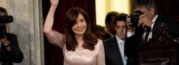 """""""El Gobierno deforma la institucionalidad y realiza actos partidarios"""""""
