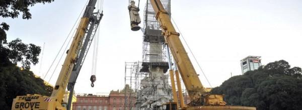 «Los monumentos de Colón y Azurduy son compatibles ideológicamente»