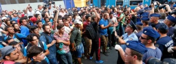 """""""Los inmigrantes están viviendo de la solidaridad del pueblo húngaro"""""""