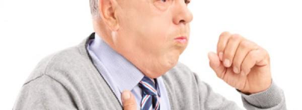 «La tos y la falta de aire en fumadores no son comunes sino que pueden sersíntomas de una enfermedad»